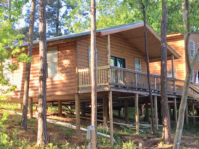 Fabulous Cabin #3 on Lake Livingston, Onalaska, Tx