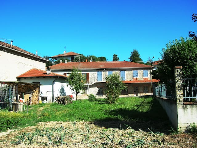 Langhe-Monferrato:House for groups
