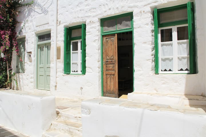 300 year house guest house 2 - Paros - Daire