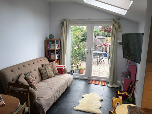 Large Cosy Family Home in the Heart of Cheltenham - Cheltenham - Casa