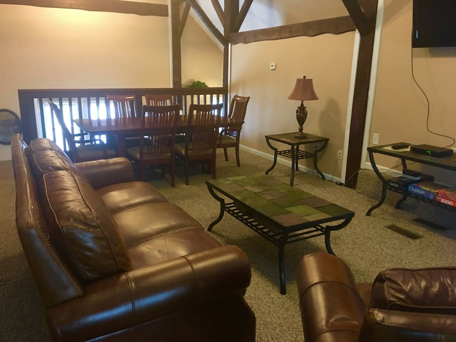 Great room has formal dining for 6 with  additional breakfast nook