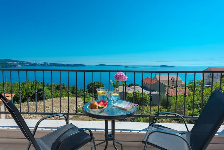 Apartments Villa Made 4U - Premium One Bedroom Apartment with Balcony and Sea View