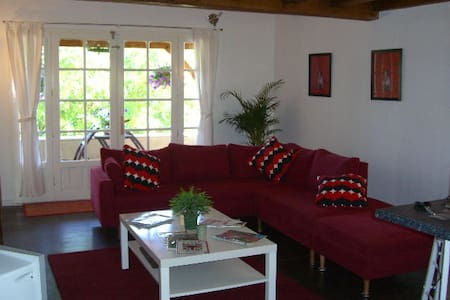 Gite and B&B rooms in Beautiful Lot Region - Duravel - Apartemen