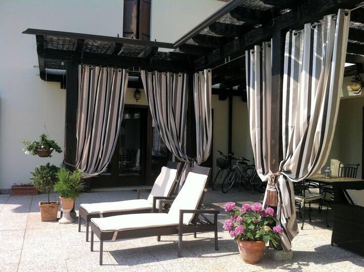 Luxury Villa Near Venice in Prosecco Vineyards