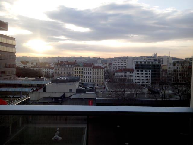 Chambre 2 personnes au pied de la tour Part Dieu - Lyon - Apartamento
