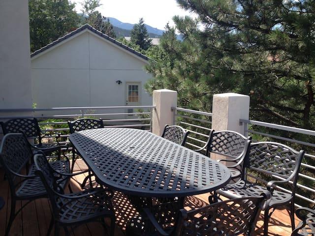 Amazing View over Colorado Springs - Colorado Springs - Bed & Breakfast