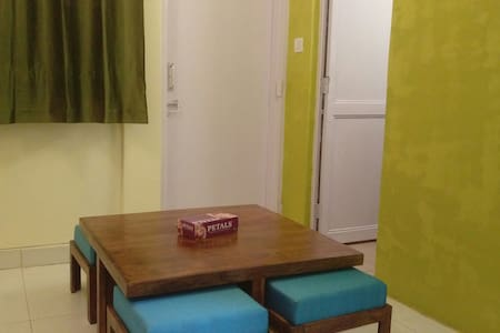 V-go Studio Apartment, near Airport/Metro/Malls - New Delhi - Apartment