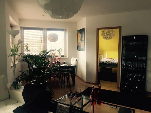 Gemütlich 2-Etagen-Wohnung - Kronshagen - Apartamento
