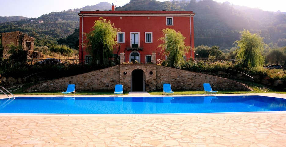 Apartment in a villa with pool. - Librizzi