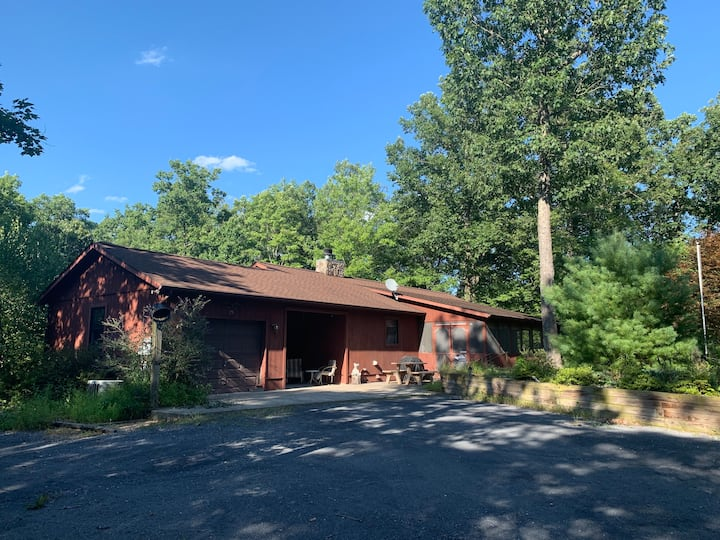 The Cabin Retreat on 14 acres