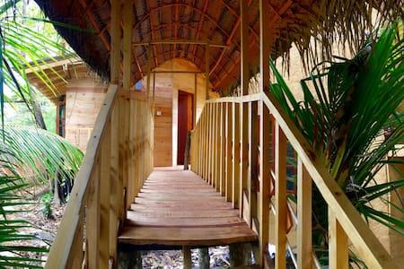 Eco friendly Seasons Four A/C  Treehouse