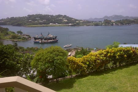 Affordable Cozy Bay View Apartment - La Toc