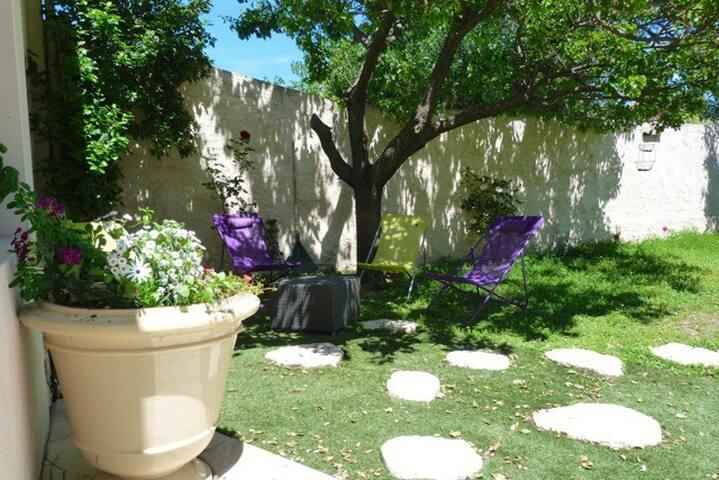 Jolie maison pour 4 p. avec terrasses et jardin - Le Pouget - Dom