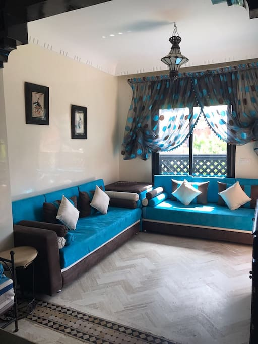 Moroccan Living room with AC - Salon Marocain climatisé