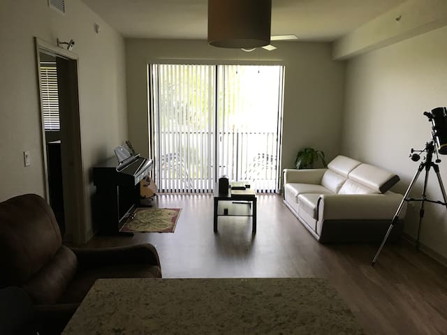 1 Bedroom apartment in a luxury rental complex. - Davie - Apartment