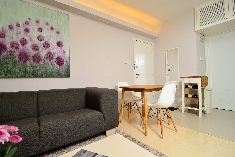 Modern designer flat in Central