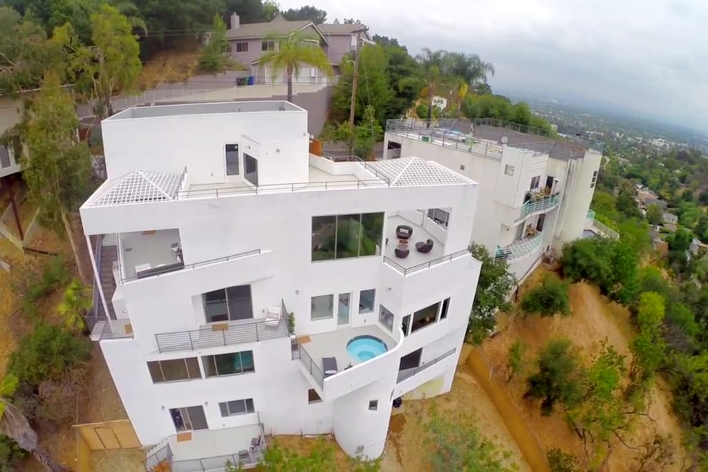 modern movie star mansion houses for rent in los angeles california