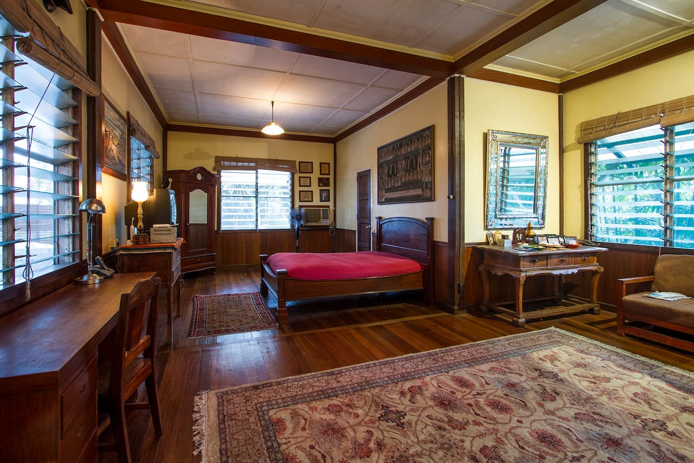 Coco\'s Garden Master Bedroom Manila - Houses for Rent in Manila ...