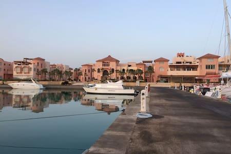 Somabay, Marina apartments