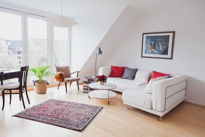 Dachgeschoss Köln Uni Nähe - Köln - Wohnung