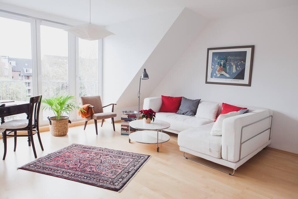 dachgeschoss k ln uni n he wohnungen zur miete in k ln nordrhein westfalen deutschland. Black Bedroom Furniture Sets. Home Design Ideas