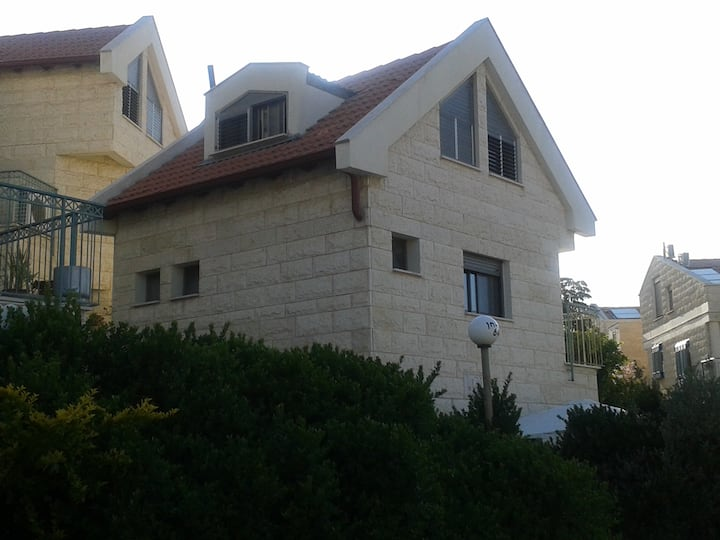 Little stone house with garden in Haifa