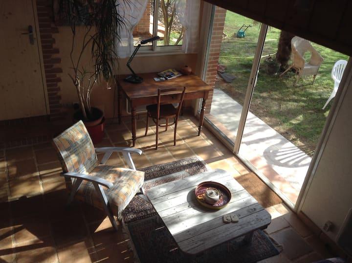 Appt coquet indépendant donnant sur jardin arboré