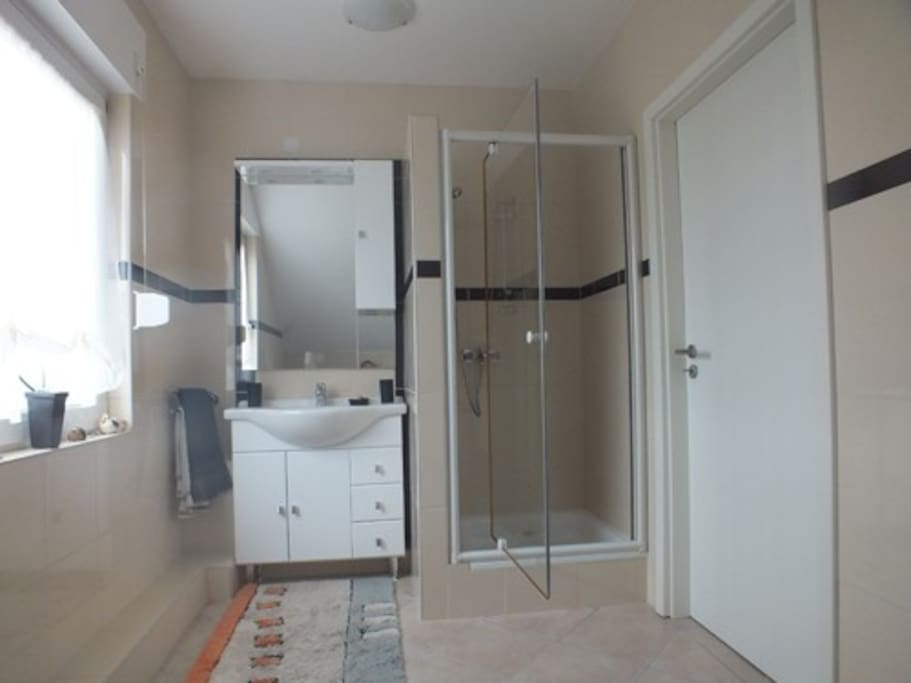 Badezimmer + WC