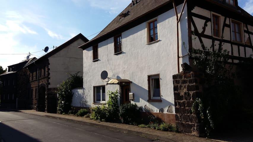 Ferienwohnung im alten Klostergut - Wassenach - Wohnung