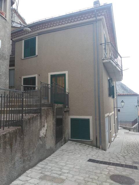 Casa vacanze 10 posti letto Castelgrande montagna