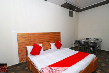 OYO SMART Furnished Room in Chamba