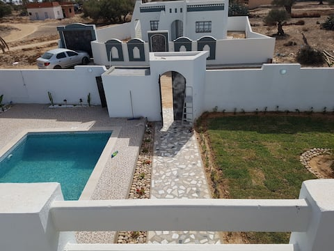 Luxueuse villa avec piscine sans vis à vis