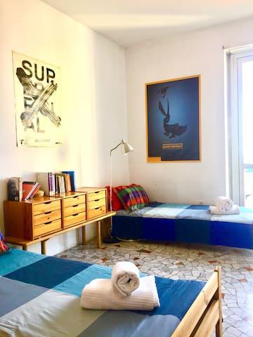 Shining shared  double room Navigli Milan