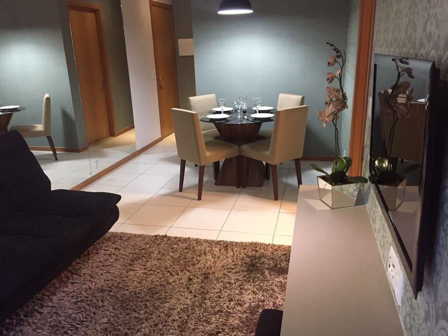 Visão de toda a Sala de estar e jantar