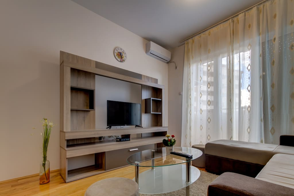 Free Wi-Fi, Air Conditioning and Satellite TV with access to the Balcony.