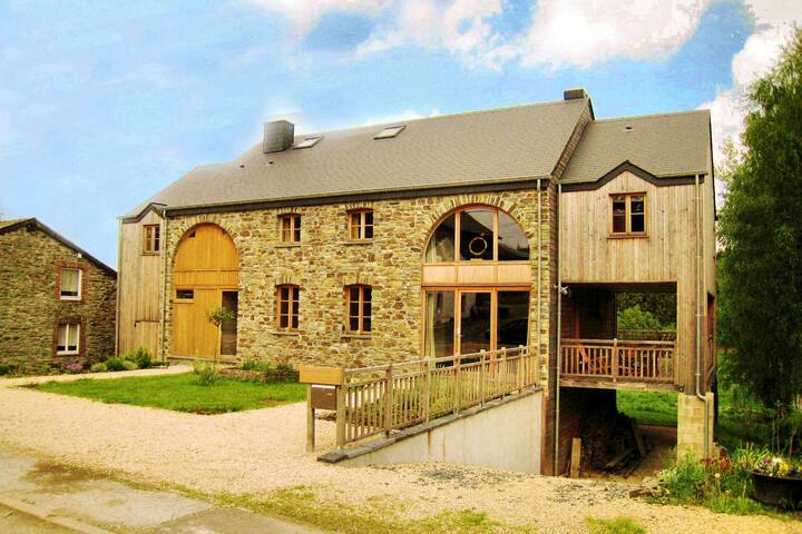 Fort-like Holiday Home in Sart-Bertrix, a drive away from Luxembourg
