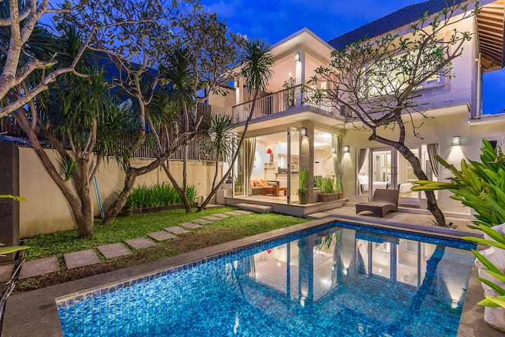 Exquisite Villa In the Heart of Seminyak