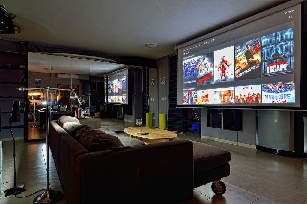 3D 5 channels home theater.