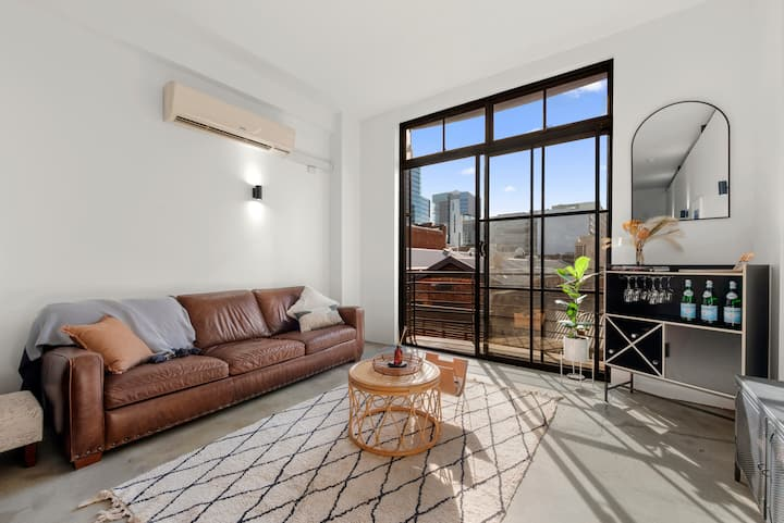 King Street Apartment in the heart of Perth City