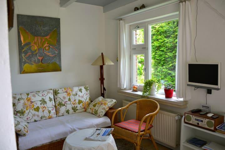 Gemütliche, helle Wohnung, ruhig gelegen - Berumbur - อพาร์ทเมนท์
