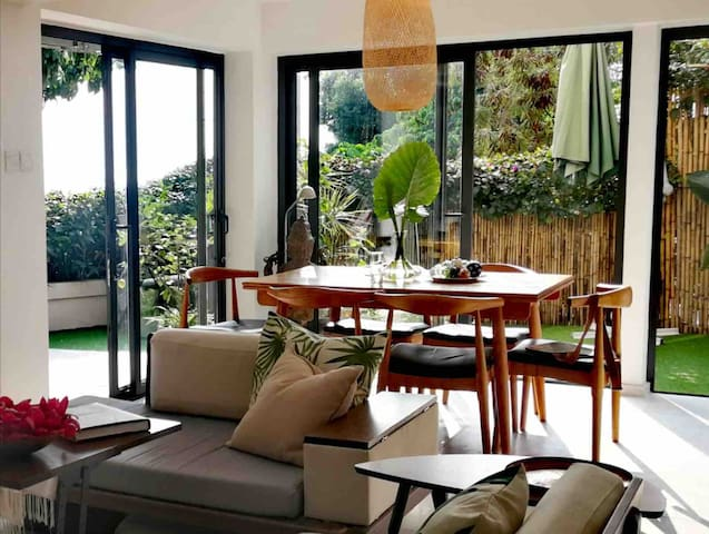 Stylish tropical living on Lamma island
