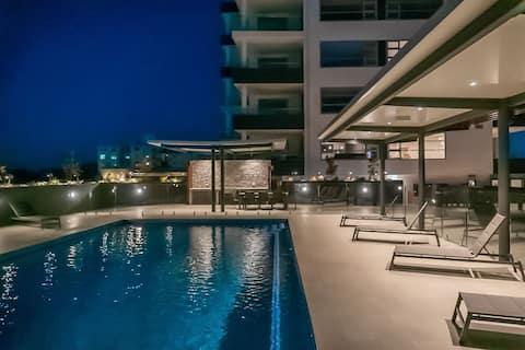 Modern 2BR Apartment with Ocean Views