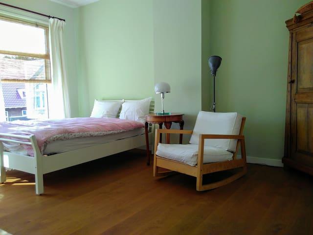 Pleasant 1 room apartment