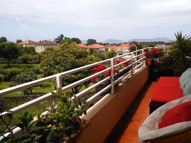 Vigo, mirando a las islas CÍES - Vigo - Apartament