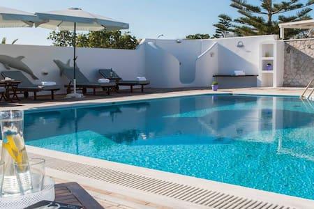 Suite  in  villa mina