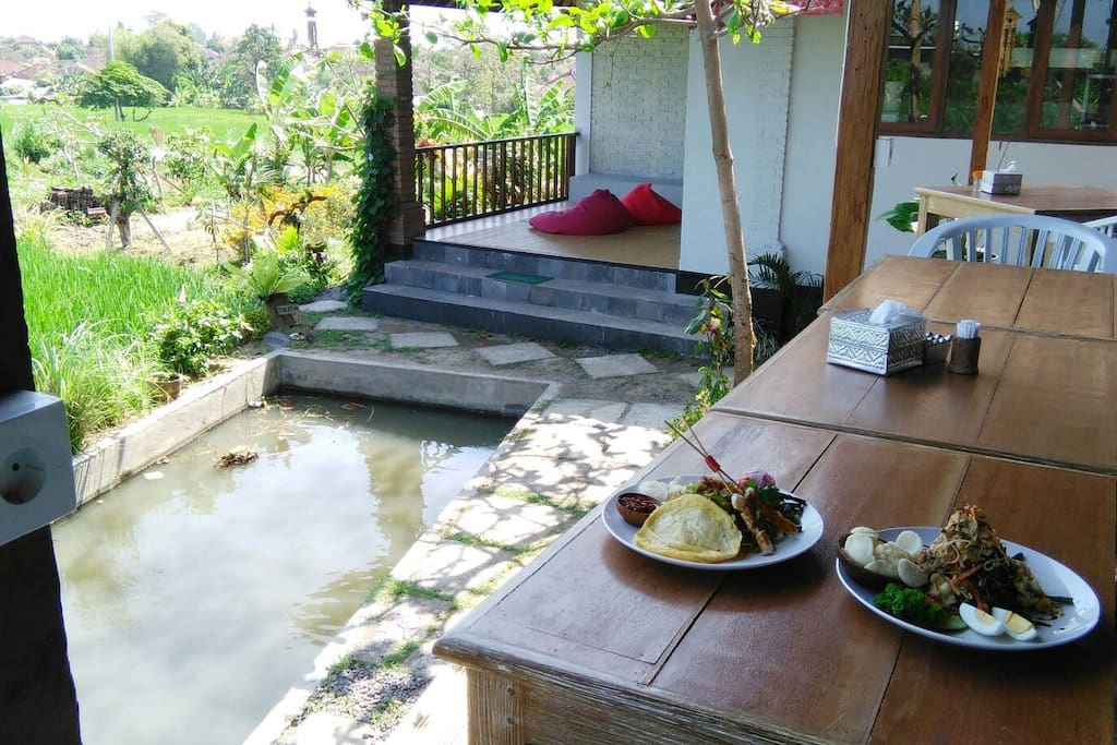 Sawah Bali restaurant besides the guesthouse with the relaxing space facing to the riceterrace.