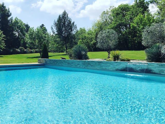 Villa avec piscine aux portes d'Aix-en-Provence