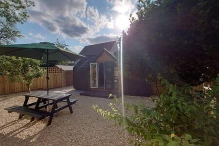 Miserden, Private, Contemporary Cabin Retreat