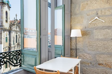 Basic Studio With Top Location and Views . Carmo 3