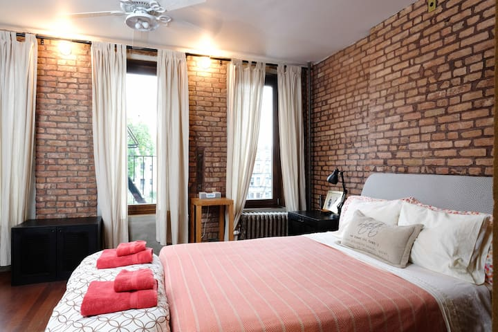 Apartment in a Private Brownstone - New York - Dům